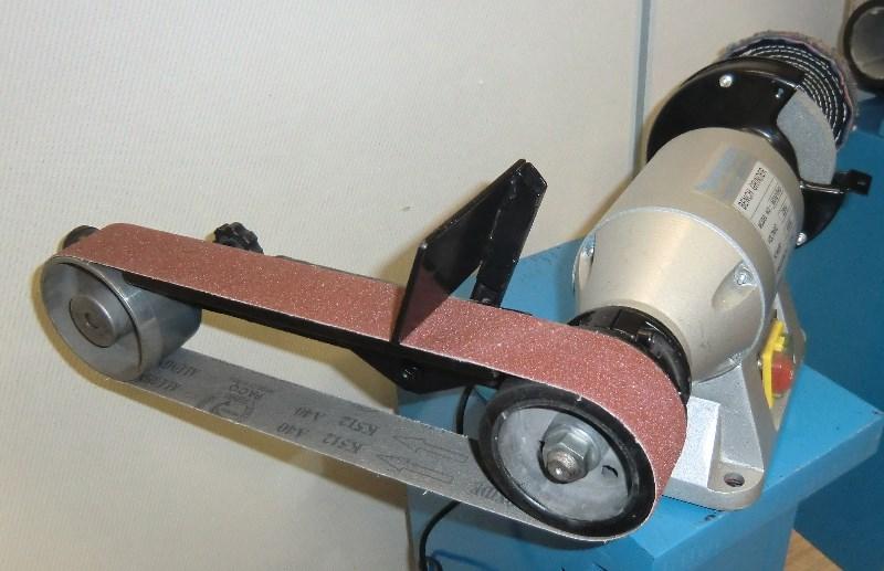 Tech machines bgc 150 touret meuler conbin bande 50 - Ponceuse a bande sur table ...